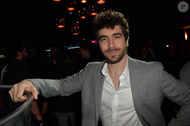 """Semi-Exclusif - Agustin Galiana à la soirée des parfums Caron """"Pour un homme vous feriez quoi ?"""" au Théâtre du Renard à Paris le 22 mars 2017."""
