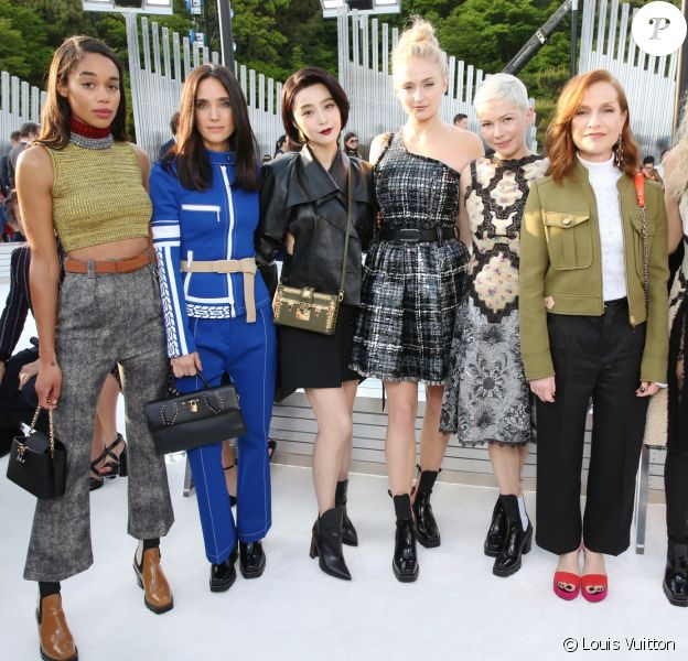 Laura Harrier, Jennifer Connelly, Fan Bing Bing, Sophie Turner, Michelle Williams, Isabelle Huppert et Riley Keough assistent au défilé Louis Vuitton (collection prêt-à-porter croisière 2018) au Miho Museum. Kyoto, le 14 mai 2017.