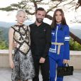 Michelle Williams, Nicolas Ghesquière et Jennifer Connelly assistent au défilé Louis Vuitton (collection prêt-à-porter croisière 2018) au Miho Museum. Kyoto, le 14 mai 2017.