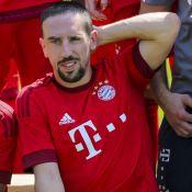 Franck Ribéry : Tongs et chaussettes pour se déhancher sur Maître Gims
