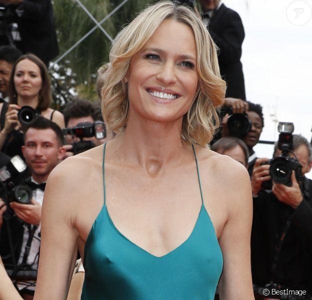 """Robin Wright - Montée des marches du film """"Nelyubov"""" (Loveless) lors du 70ème Festival International du Film de Cannes. Le 18 mai 2017. © Borde-Jacovides-Moreau/Bestimage"""