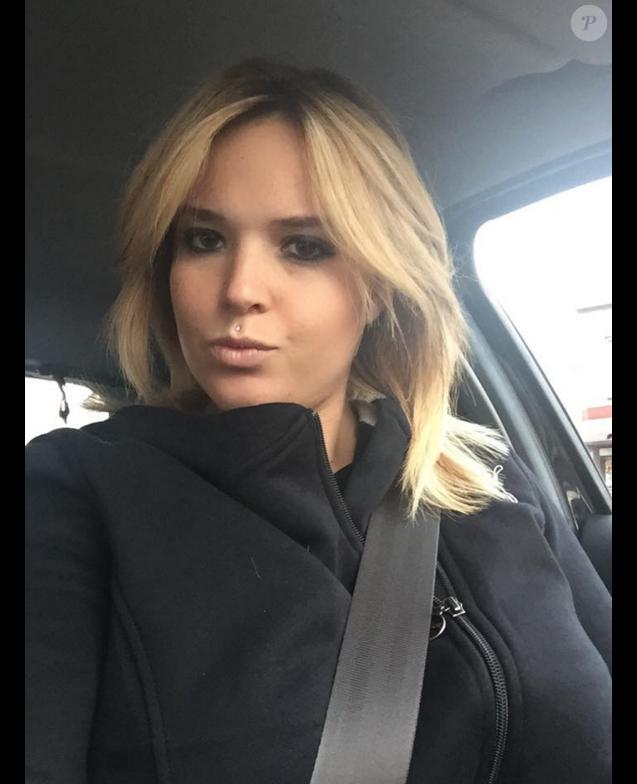 Kelly Helard : La jeune maman opte pour le blond !