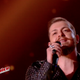 "Nicola Cavallaro -   ""The Voice 6"", live du 27 mai 2017 sur TF1."