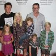 Jack Montgomery McDermott, Tori Spelling, Dean McDermott et leurs enfants Stella Doreen, Finn Davey, Hattie Margaret et Liam Aaron McDermott à la 26ème soirée caritative «The Elizabeth Glaser Pediatric AIDS» à Los Angeles. Le 25 octobre 2015