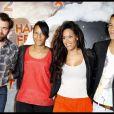 """Clovis Cornillas, Amel Bent et son frère et sa soeur à l'avant-première du film """"Happy Feet 2"""" au Gaumont Opéra à Paris le 4 décembre 2011."""
