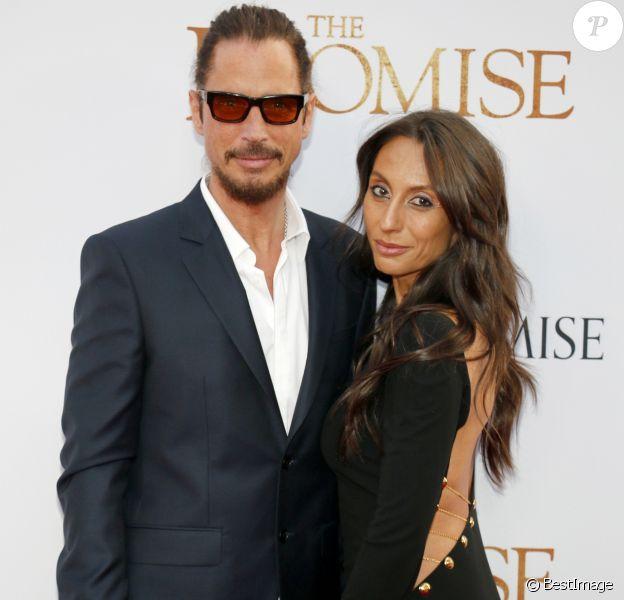 """Chris Cornell et sa femme Vicky Karayiannis lors de la première """"The Promise"""" à Hollywood, le 12 avril 2017."""