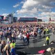 Ariana Grande est remontée sur scène à Manchester, dimanche, moins de deux semaines après qu'une attaque contre son concert eut fait 22 morts et des dizaines de blessés. Son spectacle-bénéfice «One Love Manchester» a pour but d'amasser des fonds pour les victimes de cette attaque à la bombe. Plusieurs artistes se sont ralliés à sa cause, dont Justin Bieber, Coldplay, Robbie Williams et Miley Cyrus. A Manchester le 4 juin 2017