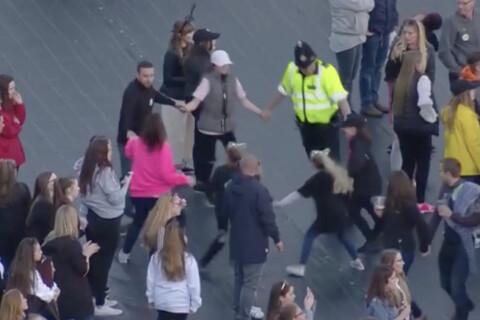 Ariana Grande, One Love Manchester: Le policier dansant qui fait fondre la Toile