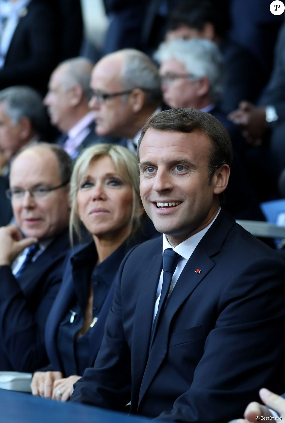 Le prince Albert II de Monaco, la première dame Brigitte Macron (Trogneux) et son mari le président de la République Emmanuel Macron - Finale du Top 14, ASM Clermont contre le RC Toulon au Stade de France à Saint-Denis, Seine Saint-Denis (banlieus de Paris), France, le 4 juin 2017. ASM Clermont remporte le match contre RC Toulon 22-16. © Dominique Jacovides/Bestimage