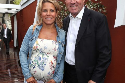 Laura Tenoudji enceinte et radieuse avec Christian Estrosi à Roland-Garros