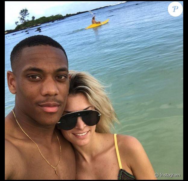 Anthony Martial et sa chérie Mélanie Da Cruz en vacances en amoureux.