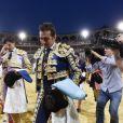 David Fandila 'El Fandi' et Roca Rey quittent une corride après avoir appris la mort du matador Ivan Fandino, Grenade, le 17 juin 2017.
