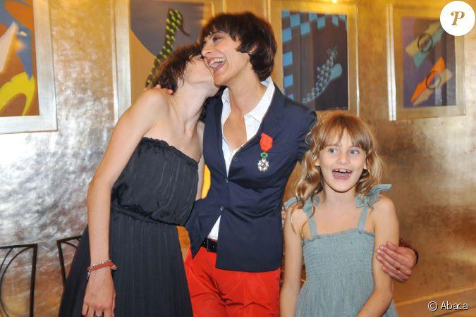 In s de la fressange et ses deux filles nine et violette le 18 juin 2008 le jour o in s a re u - Ines de la fressange filles ...