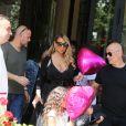 Mariah Carey et ses enfants Moroccan Scott et Monroe Cannon, quittent le Plaza Athénée à Paris, pour se rendre chez Hermès. Le 23 juin 2017