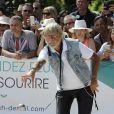 """Le chanteur Renaud lors du tournoi de pétanque """"Grand Prix des Personnalités"""" à L'Isle-sur-la-Sorgue le 24 juin 2017, dont il était le parrain. © Eric Etten / Bestimage"""