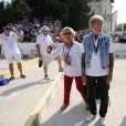 """Véronique de Villèle et Renaud - Tournoi de pétanque """"Grand Prix des Personnalités"""" à L'Isle-sur-la-Sorgue le 24 juin 2017 © Eric Etten / Bestimage"""