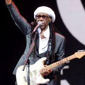 """Nile Rodgers, ému, fait une révélation sur scène : """"Je suis guéri du cancer"""""""