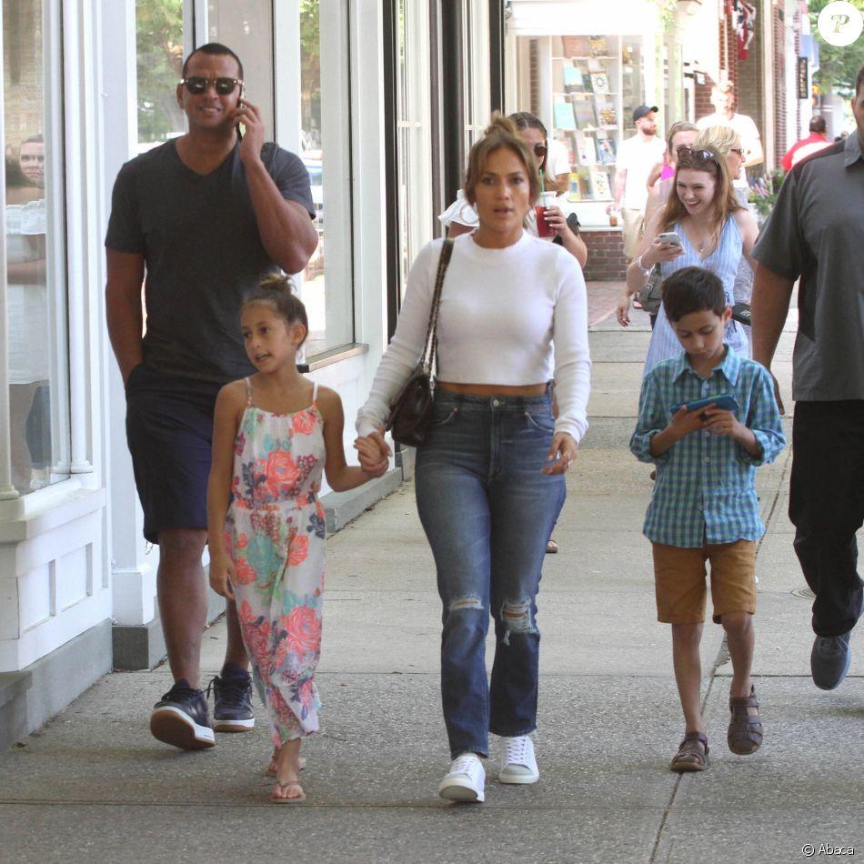 Jennifer Lopez et ses enfants Emme Maribel Muniz et ...