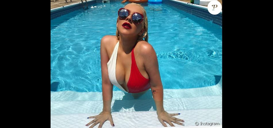 Christina Aguilera bombesque pour fêter le 4 juillet.