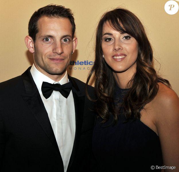 Renaud Lavillenie et Anaïs Poumarat à la soirée de gala World Athletics IAAF 2014 à Monaco le 21 novembre 2014. Fiancés en février 2017, ils attendent leur premier enfant.