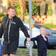 James Corden dépose son fils Max à l'école à Los Angeles, Californie, Etats-Unis, le 6 janvier 2017.