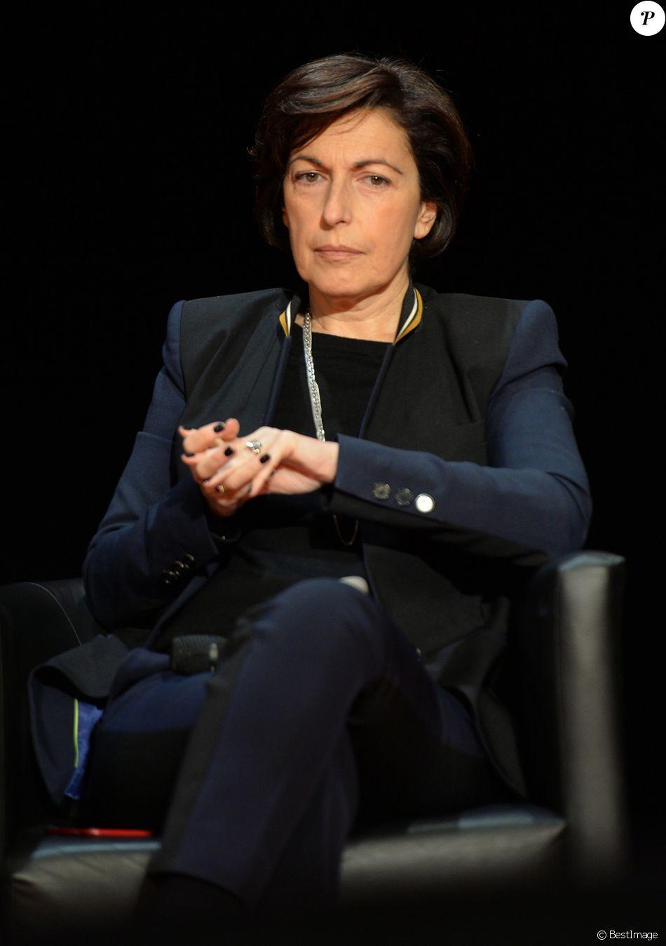 """Ruth Elkrief - Conférence """" Journée Éducation aux Médias JEM"""" au studio rive gauche à Paris le 21 novembre 2015 © Veeren / Bestimage"""