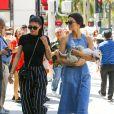 Exclusif - Kendall et Kylie Jenner à Beverly Hills le 18 juin 2017.