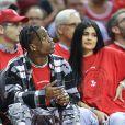 Travis Scott et Kylie Jenner lors d'un match de basketball opposant les Houston Rockets face à l'équipe d'Oklahoma City Thunder à Houston le 25 avril 2017