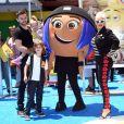 Christina Aguilera avec son fiancé Matthew Rutler et ses enfants Max Liron Bratman et Summer Rain Rutle à la première de 'Emoji' au théâtre Regency Village à Westwood, le 23 juillet 2017.