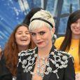 Cara Delevingne (en Burberry) à la première de 'Valerian' au Cineworld à Leicester Square à Londres, le 24 juillet 2017