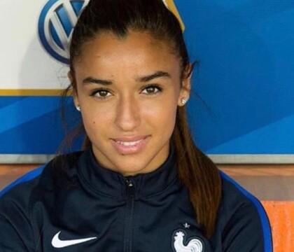 Sakina Karchaoui : L'atout charme de l'équipe de France féminine de football