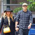 Exclusif - Blake Lively et son mari Ryan Reynolds se baladent main dans la main dans les rues de West Village à New York, le 24 mai 2017