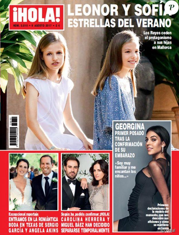 Le magazine espagnol Hola! a réalisé un shooting et un entretien avec Georgina Rodriguez, compagne de Cristiano Ronaldo et enceinte, pour son numéro 3 810 (9 août 2017).