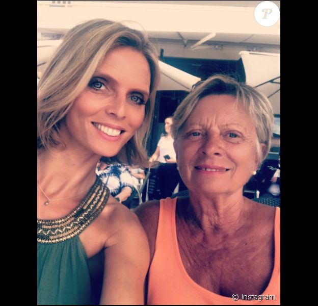 Sylvie Tellier et sa maman Annick, le 2 août 2017 aux Sables-d'Olonne.
