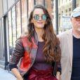 """Charlotte Le Bon (habillée en Paule Ka) arrivant au """"AOL Build"""" series building à New York, le 18 avril 2017."""