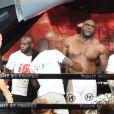 Bob Sapp (vaincu) lors de la 5ème édition de la Fight Night à la Citadelle de Saint-Tropez, le 4 août 2017.La Fight Night est un concept original alliant les plus hautes valeurs des sports de combats internationaux au glamour de Saint-Tropez. Certains des plus grands noms de la boxe thaï et du kick-boxing mondiaux se sont affrontés sur ce ring faisant désormais partie de la légende de la boxe sous toutes ses formes. Cette prestigieuse soirée de gala est devenue au cours du temps LA marque d'un succès sportif et people retentissant. Un événement incontournable dans le village le plus célèbre de la Côte d'Azur. © Rachid Bellak/Bestimage04/08/2017 -