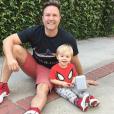 Scott Porter et son fils McCoy. La famille s'est agrandie en août 2017 avec la naissance d'une petite fille. Photo Instagram le 31 juillet 2017.