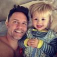 Scott Porter et son fils McCoy. La famille s'est agrandie en août 2017 avec la naissance d'une petite fille. Photo Instagram du 14 juillet 2017.