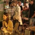"""Exclusif - Après une journée shopping, Céline Dion est arrivée au restaurant """"Pacchio"""" au 75 Rue de Rochechouart dans le 9ème arrondissement de Paris avant que son danseur Pepe Munoz ne la rejoigne pour un dîner en tête à tête, le 26 juillet 2017"""