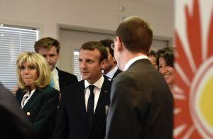 Emmanuel Macron: Barbe de trois jours et maillot de l'OM, un président à la cool