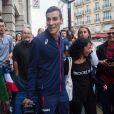 Le champion du monde du 800m, Pierre-Ambroise Bosse, arrive Gare du Nord à Paris, France, le 12 août 2017, où il a été accueilli par de nombreux fans.
