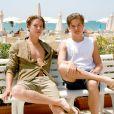 """""""Dylan et Cole Sprouse à la plage en famille à Grosseto, en Italie le 14 juin 2014. Photo par Xposure/ABACAPRESS.COM"""""""