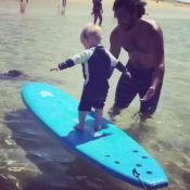 Natasha St-Pier filme le craquant cours de surf de Bixente, 21 mois !