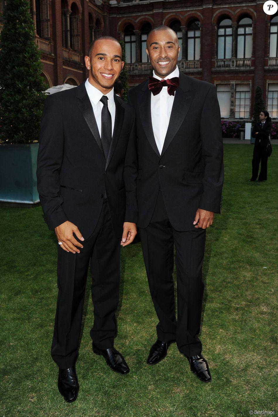 ¿Cuánto mide Lewis Hamilton? - Estatura y peso - Real height - Página 2 3495268-lewis-hamilton-colin-jackson-soiree-950x0-2