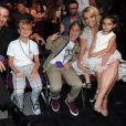 Le grand frère de Britney Spears, Bryan, les fils de Britney, Jayden et Sean, Britney Spears et la fille de Bryan, Sophia, aux Teen Choice Awards 2015. Los Angeles, août 2015.