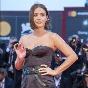 Adèle Exarchopoulos : Jeune maman aux looks surprenant ou glamour à Venise