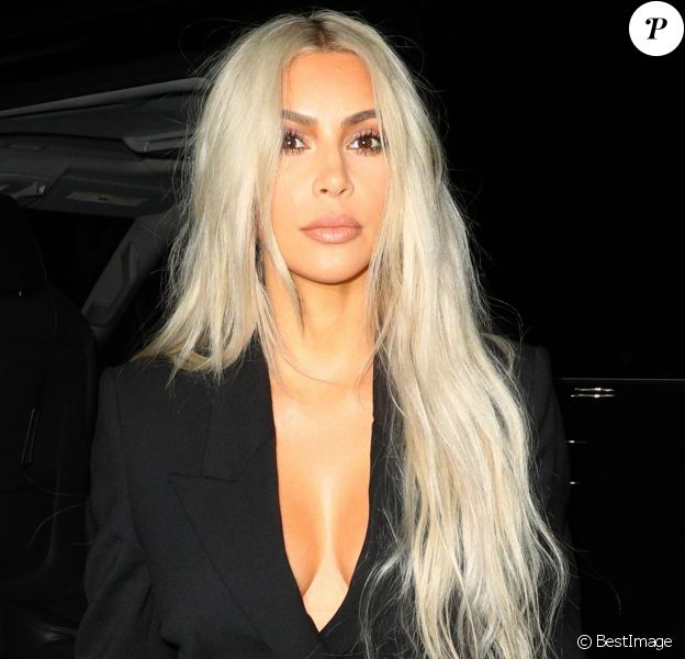 Kim Kardashian et sa mère Kris Jenner arrive au défilé Alexander Wang lors de la Fashion Week à New York, le 9 septembre 2017