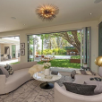 Cindy Crawford et Rande Gerber ont dépensé 12 millions de dollars pour s'offrir cette nouvelle propriété située à Beverly Hills. Septembre 2017.