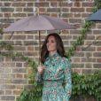 Catherine Kate Middleton, duchesse de Cambridge lors de la visite du Sunken Garden dédié à la mémoire de Lady Diana à Londres le 30 août 2017.