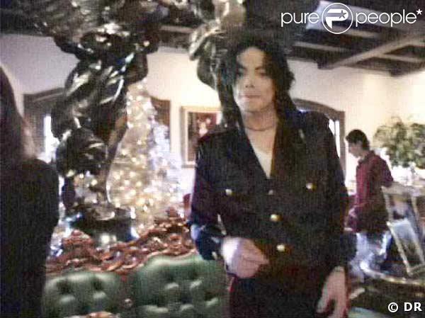 Exclusif des clichés pris à l'intérieur de Neverland dans l'intimité du King de la Pop. Noël 1999 !